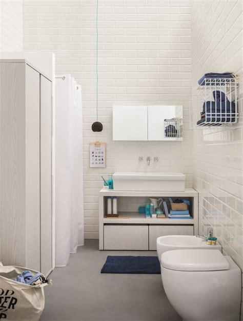 stendibiancheria da bagno specchio stendibiancheria acqua e sapone specchio per