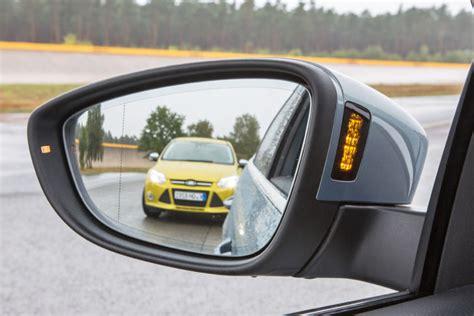 volkswagen side assist totwinkelwarner im test bilder autobild de