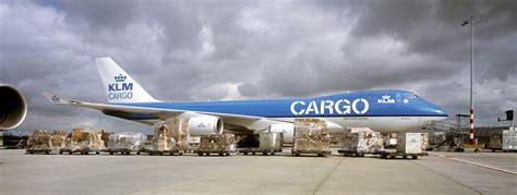 air cargo on the ground daf trucks n v