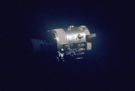 apollo 13 mission overview lunar and planetary institute apollo 13 essay hamish lindsay
