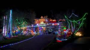 christmas lights on show around the northern beaches