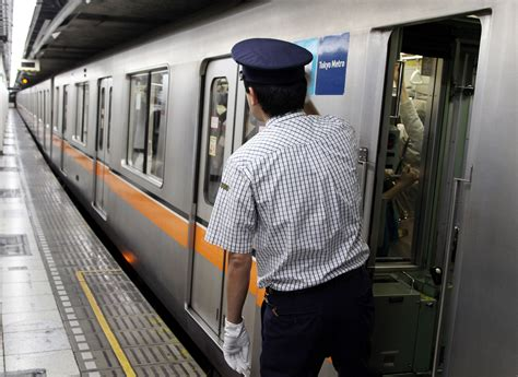Subway Background Check Tokyo Metro Punishes Station Staff For Ducking Booze Tests The Japan Times