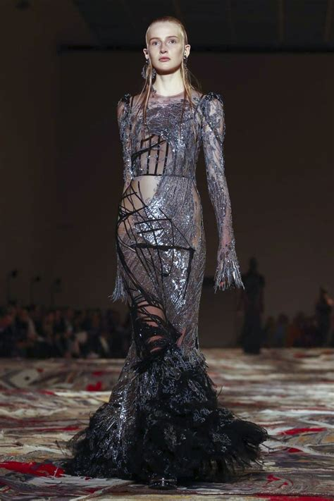 Catwalk To Carpet Liu In Mcqueen by 17 Best Images About Feeling Fashionable Superstar Looks