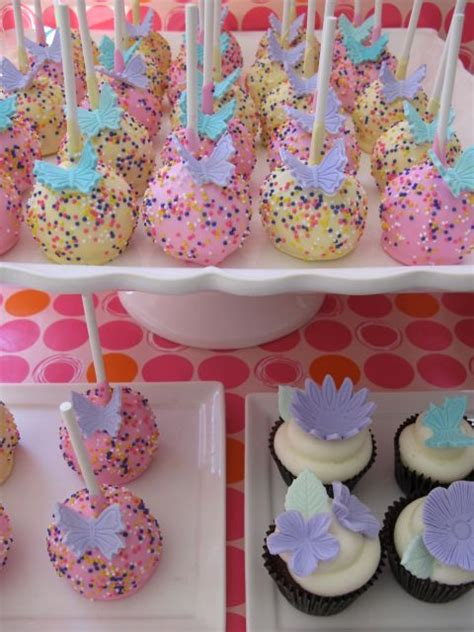 Baby Shower Themes Butterfly by Best 25 Butterfly Baby Shower Ideas On
