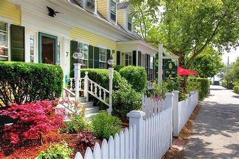 beautiful front yard picture of the inn at cook street