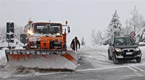 polizia stradale bagno di romagna nevica sul verghereto e45 chiusa per incidente tra due