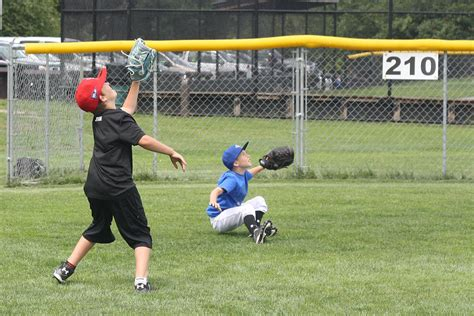 nanaimo minor baseball association minor baseball steps to plate for new season nanaimo
