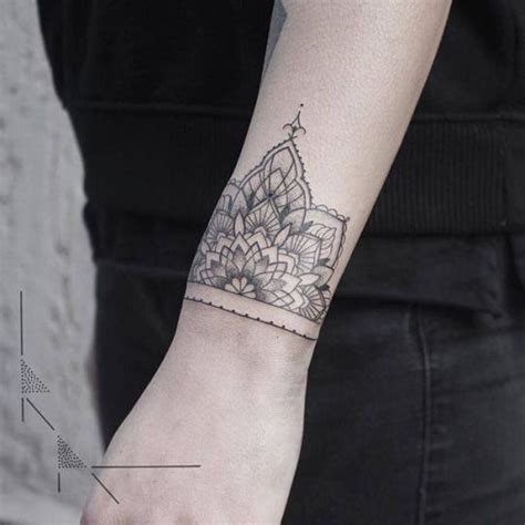 1000  ideas about Small Mandala Tattoo on Pinterest   Mandala Tattoo, Flower Shoulder Tattoos