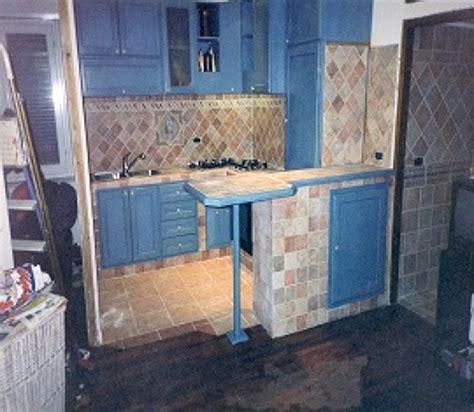cucine in frassino cucina in muratura e in frassino mordensato color