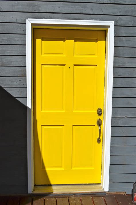yellow front door braner party of 7 yellow door