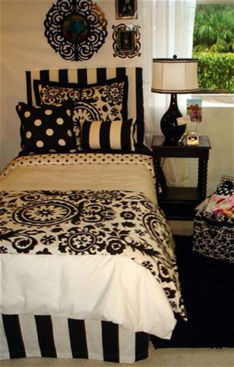 damask bedroom ideas 28 images best 20 damask bedroom 161 best images about dorm ideas on pinterest dorm