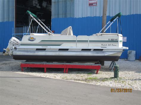 fiberglass boat bottom paint fiberglass boat bottom painting bottom paint service