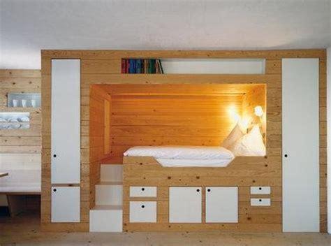 bett mit schrank drunter hochbett mit integriertem kleiderschrank hochbett