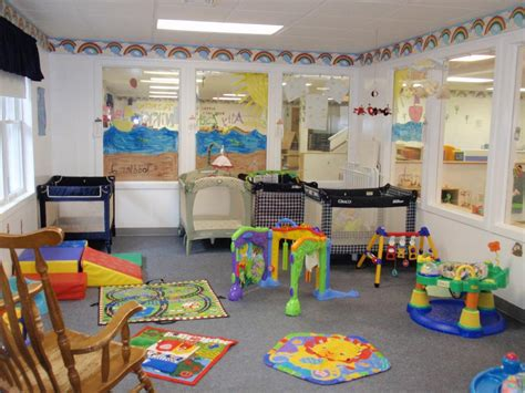 home daycare decor infant day care rooms picture infant room picture 1