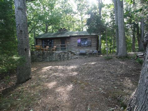 Cabin Rentals Front Royal Va by Rustic Mountain Log Cabin Perched On A Cliff Side Above