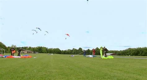 Parachutes Parachutes Everywhere Memegenerator Net What We - tirare le fila project runway season 12 episode 1 what