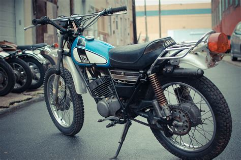 Headl Yamaha Dt 1975 yamaha dt175 chin on the tank motorcycle stuff in