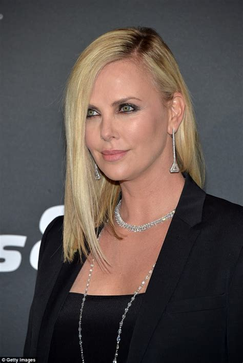 fast and furious 8 charlize theron is the new v charlize theron i suoi look rock e aggressive il caff 232