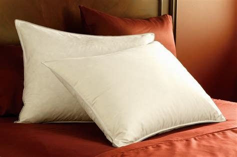 what are the best bed pillows choosing the right pillows for your new bed