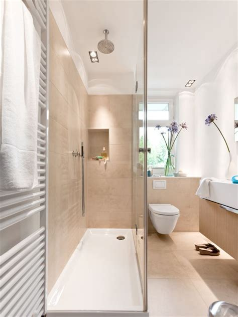Kleines Langes Badezimmer die besten 25 schmales badezimmer ideen auf