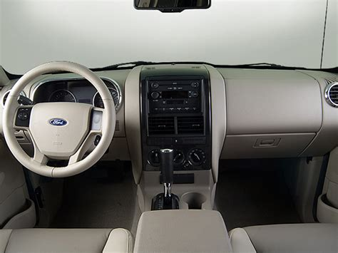 how to fix cars 2010 ford explorer interior lighting 2007 ford explorer xlt sport utility interior photos automotive com