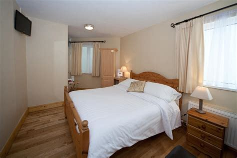 bed and breakfast anchorage kinsale town bed and breakfast the anchorage b and b accommodation b and b the