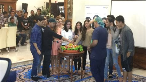 film malaysia cinta dari surga cinta dari surga gelar syukuran bersama anak yatim