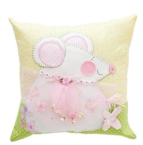creative approach to of decorative pillows for