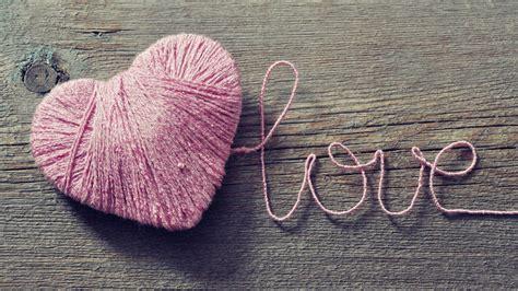 love heart pink 1600x900 hd wallpaper love wallpapers hd hintergrundbilder herz n 228 hen kn 228 uel holz romantisch