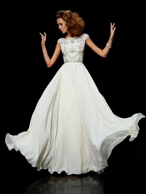 Robe De Mariée Marquise Manche Longue - robe de bal col montant manches courtes perles longue