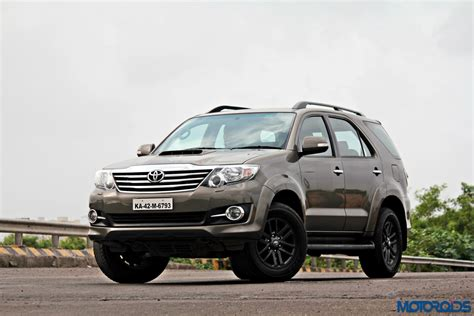 2015 Toyota Fortuner 2015 Toyota Fortuner 3 0 4x4 At Review Ageless Brawn