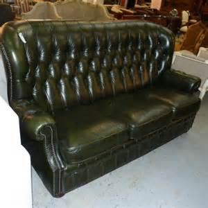 canape cuir vert de style chesterfield 2 places la salle