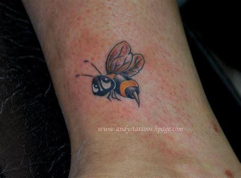 cartoon bumble bee tattoo baby honey bee tattoos bumble bee tattoo designs