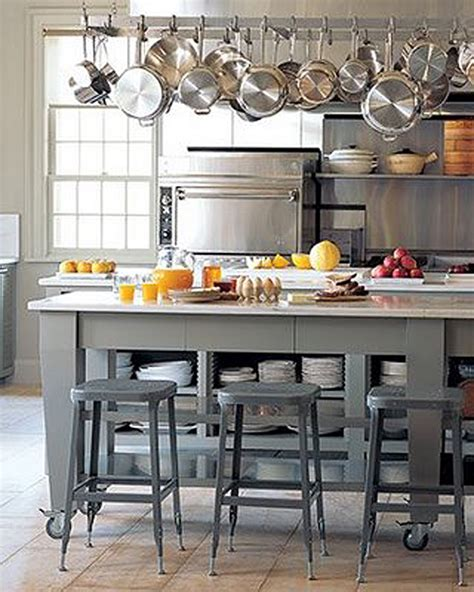 Martha Stewart Kitchen Island | tour martha stewart s home cantitoe corners in bedford new