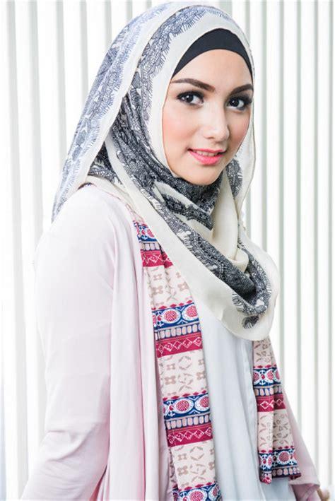 Jilbab Instan Kirana Serut citra kirana yang belajar berhijab lewat sinetron tukang bubur