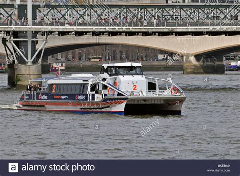 thames clipper dogs thames water taxi stockfotos thames water taxi bilder