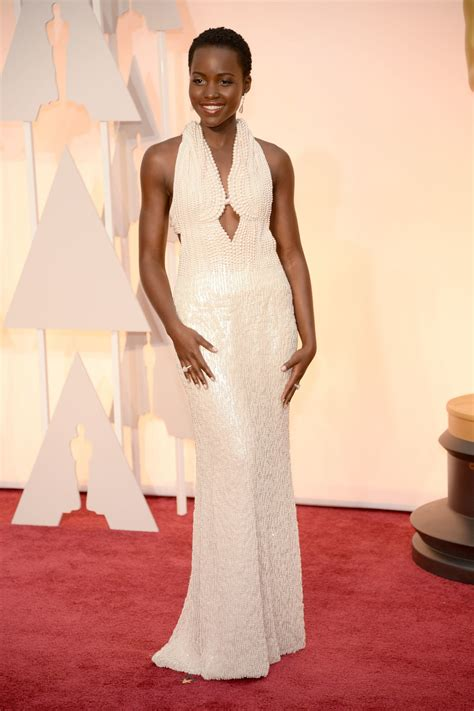 pearl modiadias dress 2015 lupita nyong o s pearl calvin klein oscars dress has been