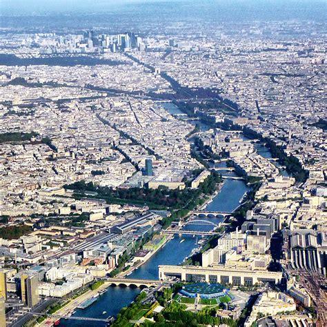 Paris ? Wikivoyage, le guide de voyage et de tourisme collaboratif gratuit