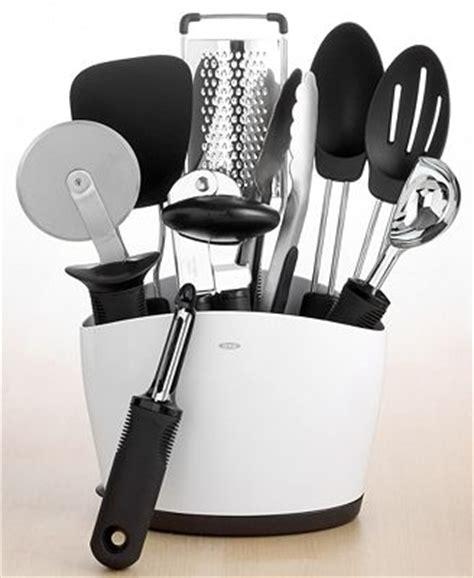 oxo good grips 10 piece everyday kitchen tool set