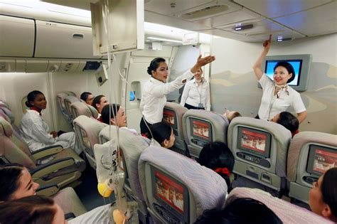 fly emirates careers cabin crew emirates cabin crew has one of its busiest years