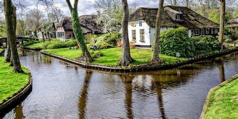 Home Design And Remodeling Show 2015 by Giethoorn Holland Town Made Of Canals