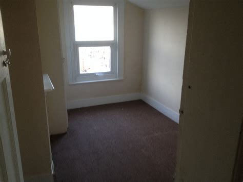 2 Bedroom House To Rent In Gillingham Kent Private