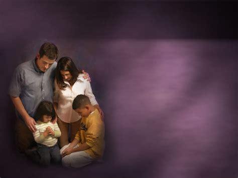imagenes orando juntos imagens b 205 blicas prece em fam 205 lia
