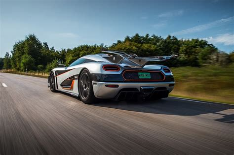 koenigsegg one wallpaper koenigsegg one 1 2014 2015 autoevolution