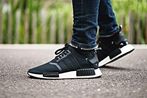 Sepatu Sneaker Adidas Nmd R1 Primeknit Oreo Premium Original adidas nmd r1 primeknit black japan sneakers addict