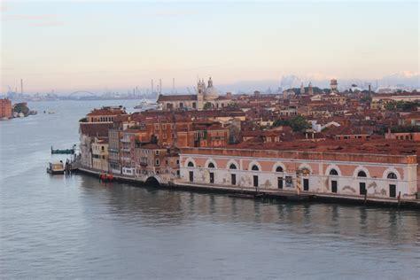 Venedig Mit Dem Auto by Anreise Mit Dem Auto Zum Hafen In Venedig Venedig Auf