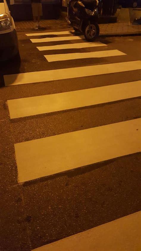 via settimio mobilio salerno in via settimio mobilio strisce pedonali