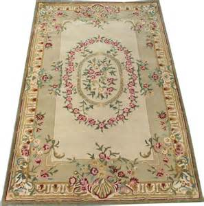 tapis orient occasion tapis tuft 233 style savonnerie 151x242 cm tapis d orient