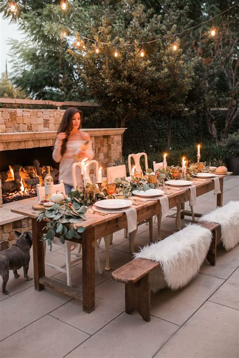 thanksgiving tablescape house backyard patio