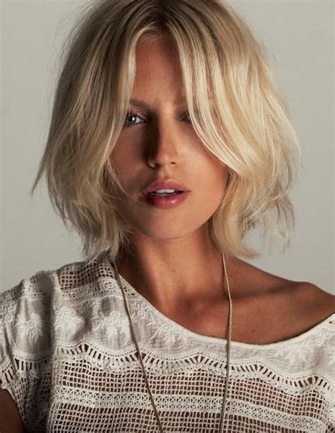 short hair just above the shoulders layered with a fringe messy above the shoulder bob beauty nails hair